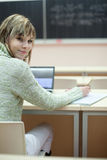 Étudiant universitaire blond assez jeune Photo stock