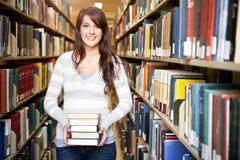 Étudiant universitaire de chemin mélangé Photos libres de droits