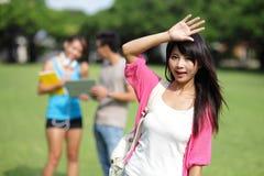 Étudiant universitaire heureux de fille Photo libre de droits