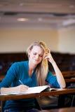 Étudiant universitaire malheureux photo stock