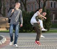 Étudiants ayant l'amusement Photo stock