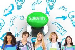 Étudiants contre le bouton poussoir vert digitalement produit Photographie stock libre de droits