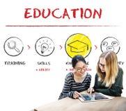 Étudiants d'intelligence d'éducation apprenant le concept Photos stock
