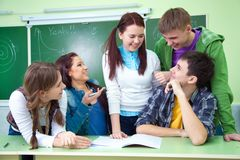 Étudiants dans la salle de classe Photo libre de droits