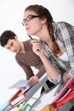 Étudiants dans une salle de classe. Images libres de droits