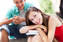Étudiants heureux avec des livres Photographie stock libre de droits