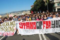 Étudiants italiens contre le gouvernement Photos libres de droits