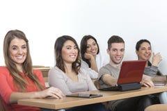 5 étudiants riants Photographie stock libre de droits