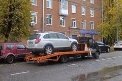 Évacuation de la voiture après l'accident image libre de droits