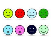 Évaluation par des émoticônes, expressions colorées de visage d'émotion souriante d'ensemble, par des smilies, émoticônes de band illustration de vecteur