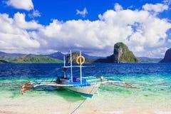 Évasion tropicale - nature et plages stupéfiantes de Palawan, pH photo stock