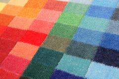 Éventail de couleur des échantillons de tapis photo stock