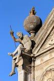 ÉVORA, PORTUGAL: Igreja de Nossa Senhora a Dinamarca Graca com detalhes de estátuas imagem de stock