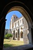 ÉVORA, PORTUGAL: Vista do SE da catedral do claustro fotografia de stock