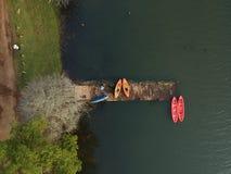 Être prêt au kayak images stock
