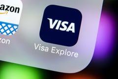 Ícone da aplicação de visto no close-up da tela do iPhone X de Apple Ícone do app do visto Candidatura online do visto Meios soci Fotos de Stock