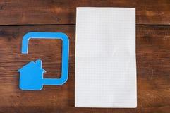 Ícone da casa feito fora do plástico Imagens de Stock