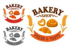 Ícone da padaria com bolos e o croissant doces Fotos de Stock Royalty Free