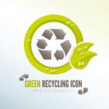 Ícone de reciclagem verde para a gestão de resíduos ecológica Imagens de Stock