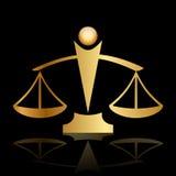 Escalas de justiça no fundo preto Fotografia de Stock