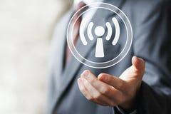 Ícone do sinal da conexão da Web de Wifi do sinal do botão do negócio Imagem de Stock Royalty Free