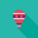 Ícone liso do balão de ar quente com sombra longa Fotos de Stock Royalty Free