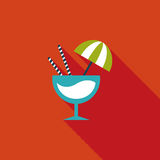 Ícone liso do cocktail com sombra longa Fotografia de Stock Royalty Free