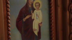 Ícone ortodoxo na igreja video estoque