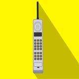 Ícone retro do telefone celular Ilustração do vetor do dispositivo móvel Projeto liso do estilo com sombra longa Imagem de Stock