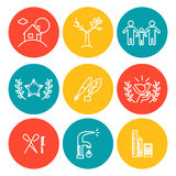 Ícones coloridos do vetor ajustados no fundo branco Grupo liso do ícone, logotipo, insígnias, símbolo, tipo Imagens de Stock Royalty Free