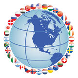 Ícones da bandeira em torno do globo Fotografia de Stock