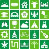 Ícones da natureza, do acampamento e das atividades ao ar livre Imagens de Stock Royalty Free