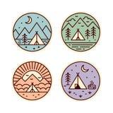 Ícones de acampamento ajustados ilustração do vetor
