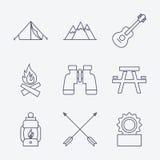 Ícones de acampamento do curso do esboço Imagens de Stock