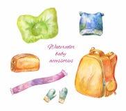 Ícones desenhados à mão da aquarela dos acessórios do bebê isolados no whit Ilustração Stock