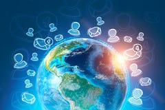 Ícones do e-mail em torno da terra sobre o fundo azul ilustração stock