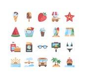 20 ícones do verão ajustados Ilustração do vetor gelado, morango, vidros, roupa de banho, short da praia, ilha, prancha, plano Foto de Stock Royalty Free