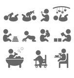 Ícones lisos da ação do bebê isolados no branco Fotografia de Stock Royalty Free