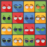 Ícones lisos da forma dos vidros dos óculos de sol ajustados Foto de Stock