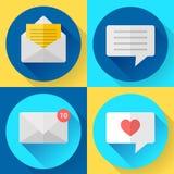 Ícones lisos dos sms da mensagem da cor ajustados Fotografia de Stock Royalty Free
