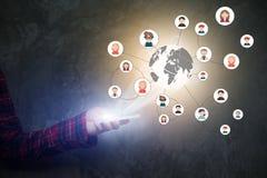 Ícones modernos dos meios da tecnologia de comunicação no scre do telefone celular Imagem de Stock Royalty Free