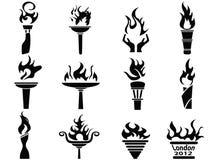 Ícones pretos da tocha da flama do incêndio ajustados ilustração stock