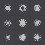 Ícones pretos do sol do vetor ajustados ilustração royalty free