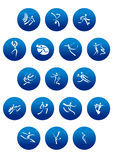 Ícones redondos azuis com as silhuetas brancas do desportista Fotos de Stock