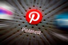 Ícones sociais dos meios na tela esperta do telefone Foto de Stock Royalty Free
