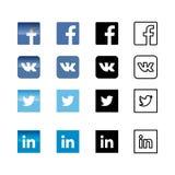 Ícones sociais e etiquetas da rede ajustados Logotipo liso dos meios sociais ilustração do vetor