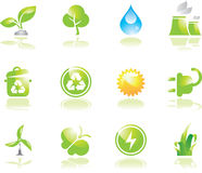 Ícones verdes ambientais Ilustração Royalty Free