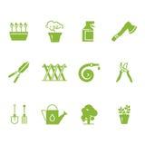 Ícones verdes das ferramentas e dos acessórios de jardinagem ajustados ilustração stock