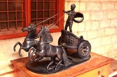 Ídolo antiguo del jinete del carro del caballo del metal en el palacio de Bangalore imagen de archivo libre de regalías
