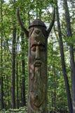 Ídolo de madera imagen de archivo